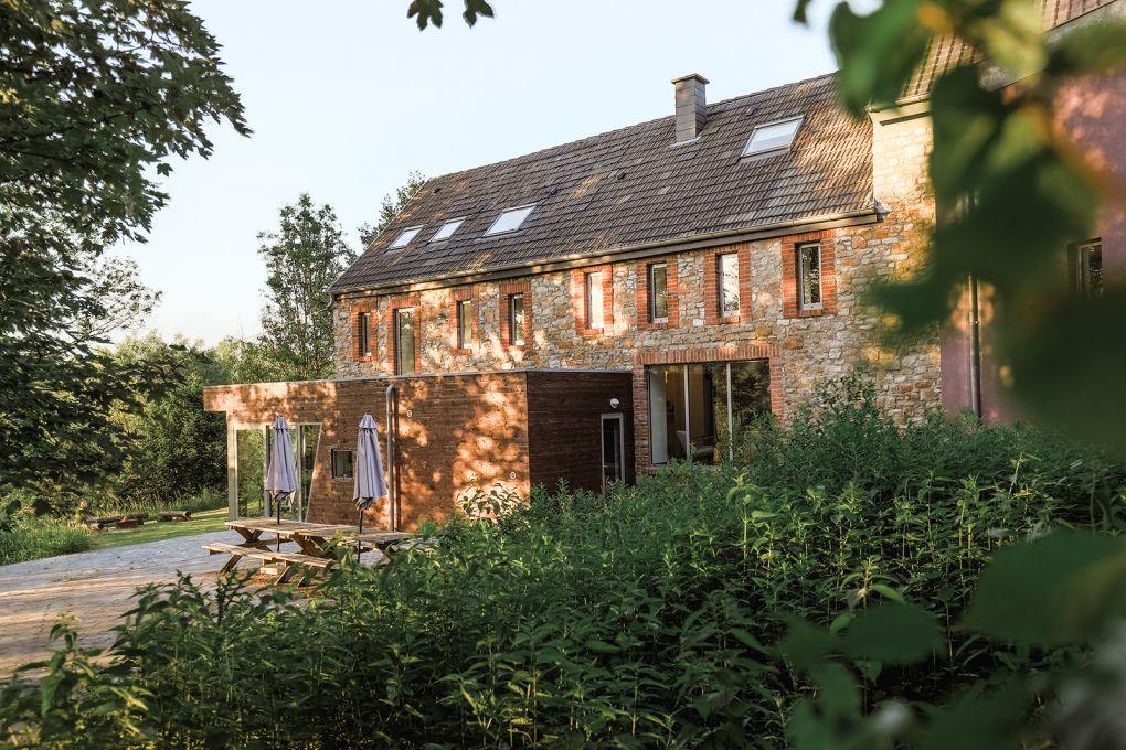 Arrière de la maison avec terrasse